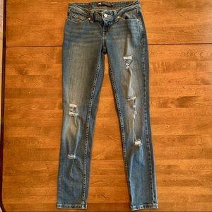 Distressed Levi's Demi Curve Lowrise Jeans. 26.